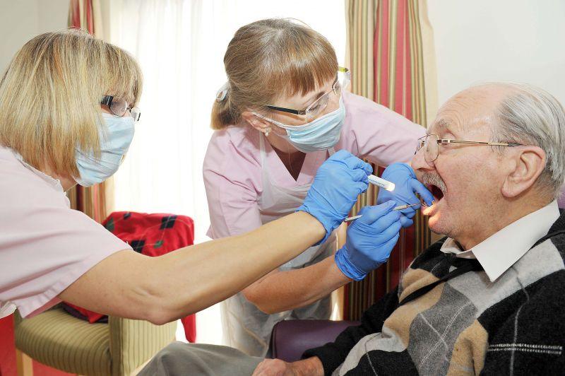 معاینه دندان در یوسف آباد