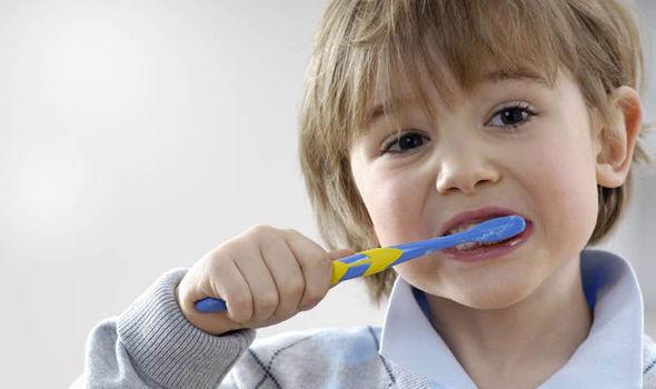 کشیدن دندان در تهران
