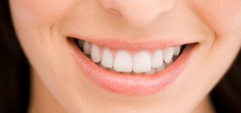 اگر ميخواهيد از ابتلا به زوال عقل در دوران پيری در امان بمانيد از دندانهايتان مراقبت كنيد
