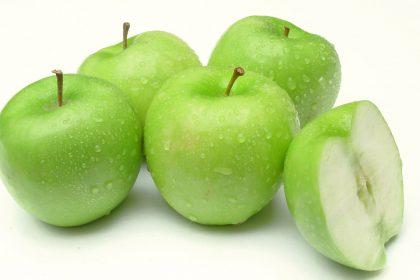 میوه های مفید برای دندان