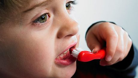 رفع پوسیدگی دندان شیری با متخصصین